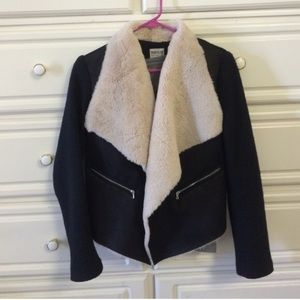 Black fur Zara jacket
